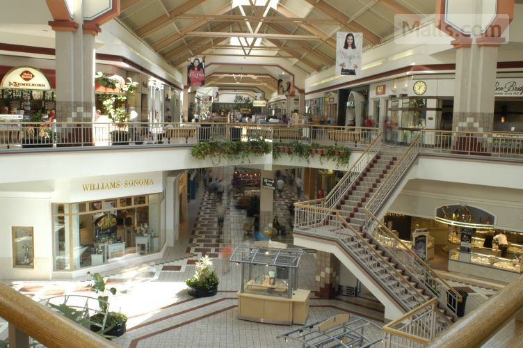 Despite Doom And Gloom Not All Malls Are Dying USA News MallsCom - First shopping center in usa