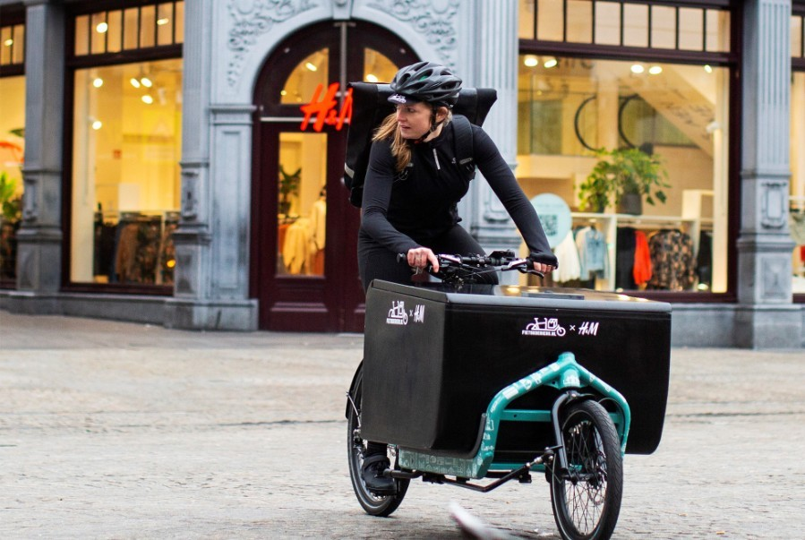 delivery of orders by bicycles