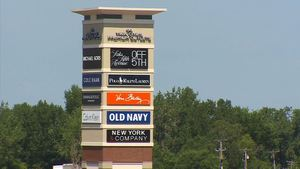 New outlet mall for Eagan close to MOA-1.jpg