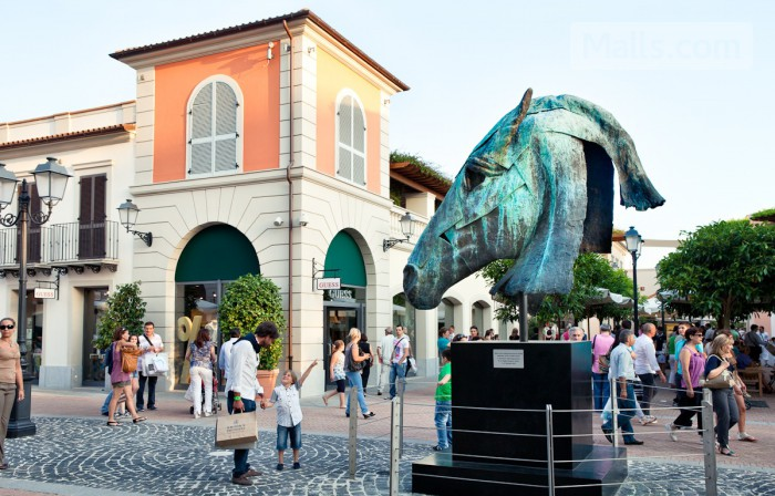 La Reggia Designer Outlet photo №1