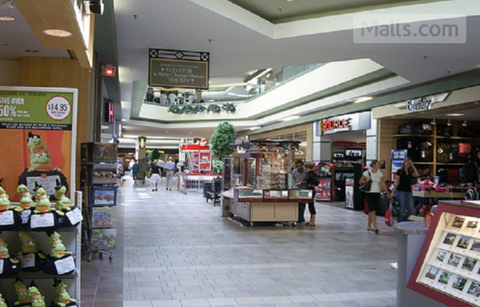 Cataraqui Town Centre photo №4