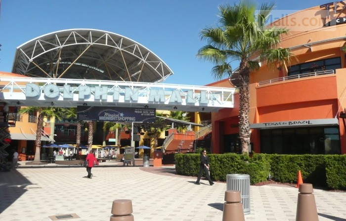 Dolphin mall photo №1