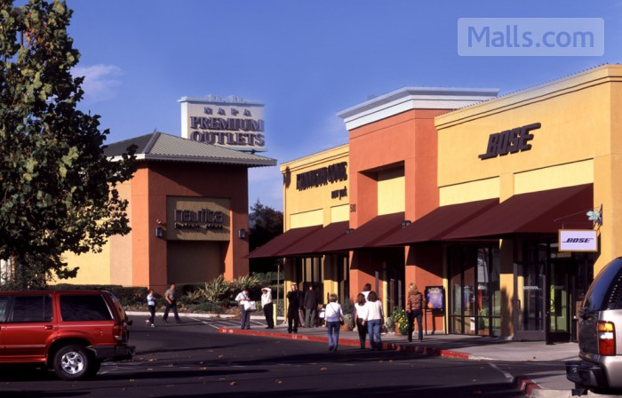 Napa Premium Outlets photo