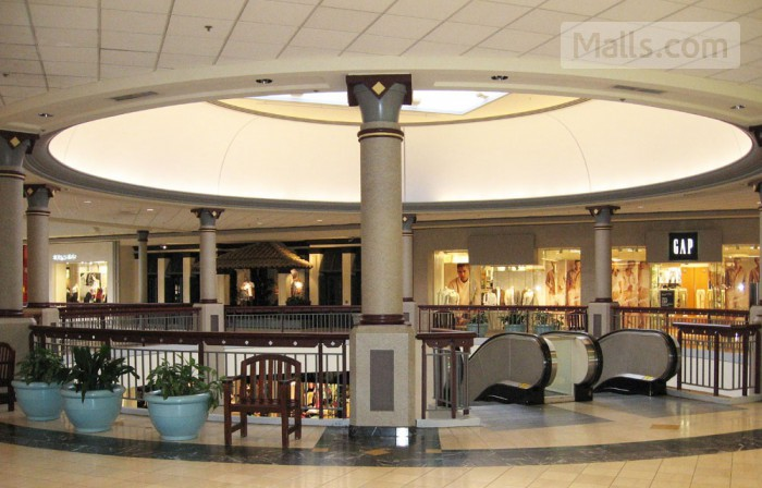 Montgomery Mall photo №1