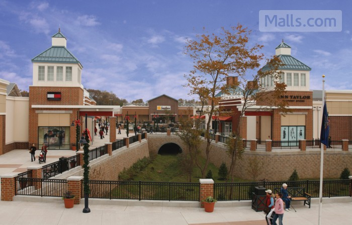Philadelphia Premium Outlets photo