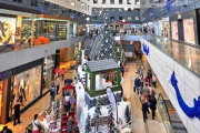 Shoppers flock to malls on New Year's Eve