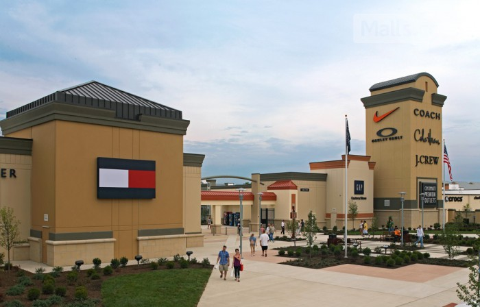 Cincinnati Premium Outlets photo
