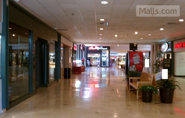 Northwest Mall photo №2