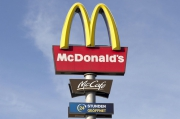 McDonald's Employees Will Work Temporarily at Aldi Supermarkets