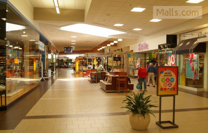 Apple Blossom Mall photo