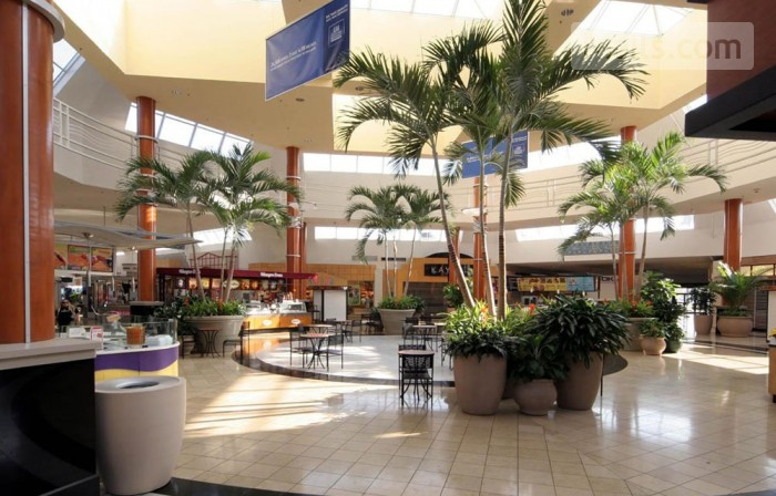 Miami International Mall photo №2
