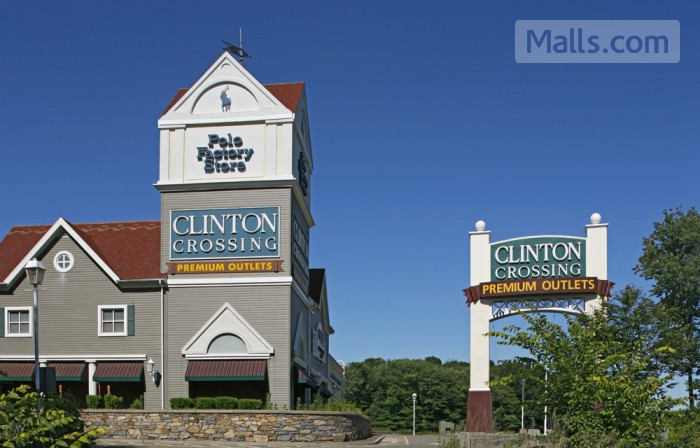 Clinton Crossing Premium Outlets photo