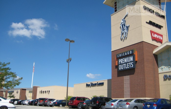 Chicago Premium Outlets photo