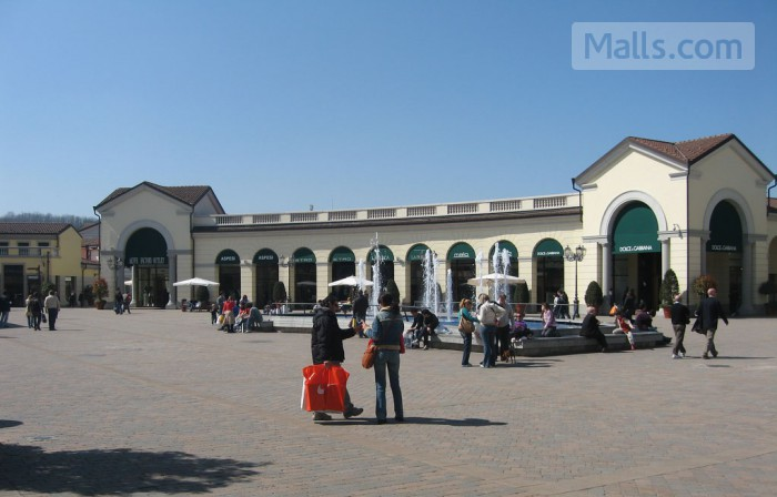 Serravalle Designer Outlet photo №1