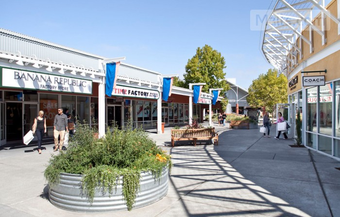 Petaluma Village Premium Outlets photo №3