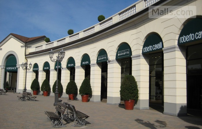 Serravalle Designer Outlet photo