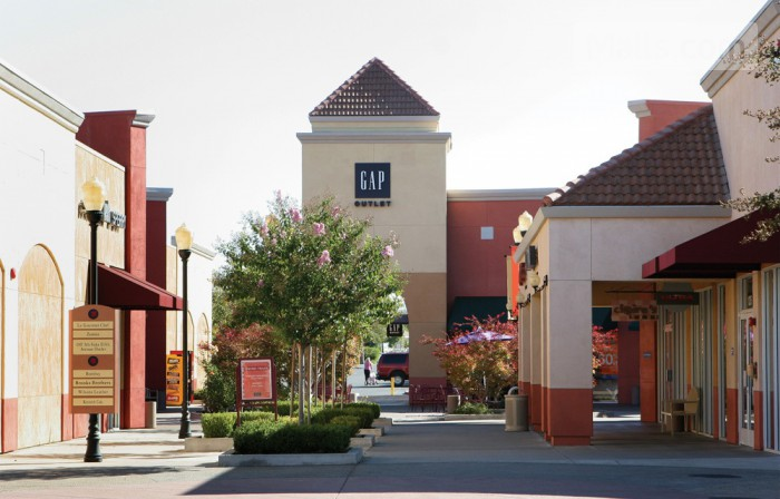 Folsom Premium Outlets photo №1