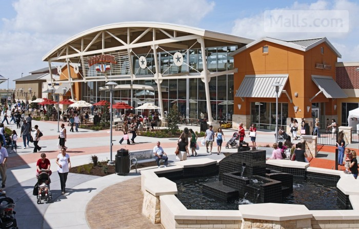 Houston Premium Outlets photo