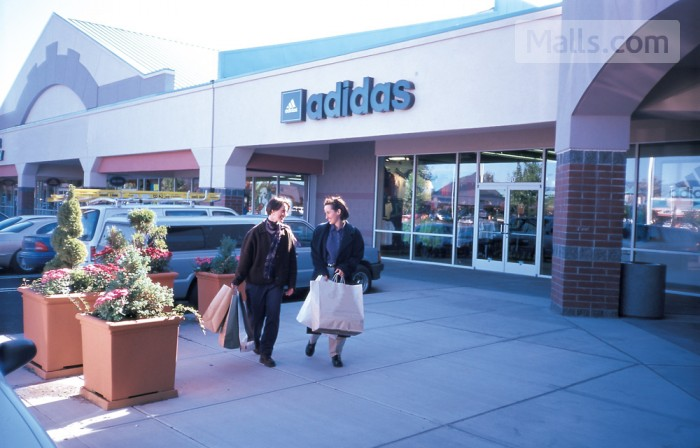 Columbia Gorge Premium Outlets photo №1