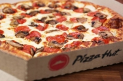Pizza Hut will include a square pizza in Detroit style on the menu
