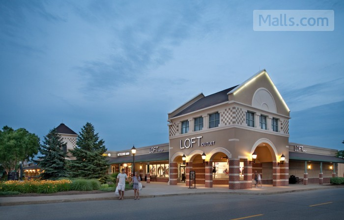 Grove City Premium Outlets photo №1