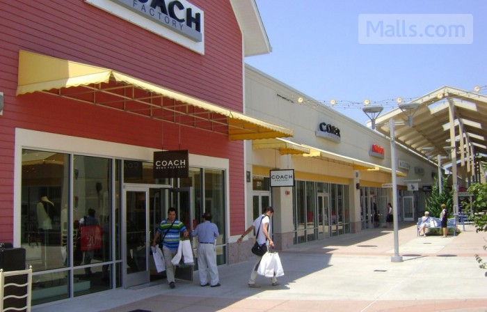 Johnson Creek Premium Outlets photo №3