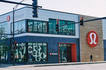 Lululemon Opens an Unusual Shop with a Bar and Restaurant