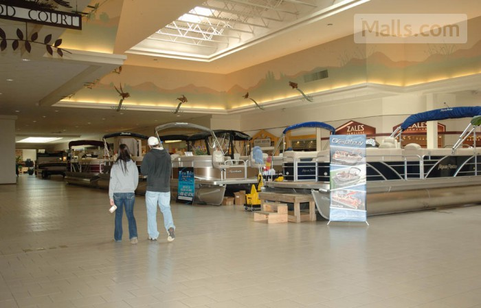 Chautauqua Mall photo №2