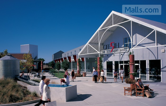 Petaluma Village Premium Outlets photo №1