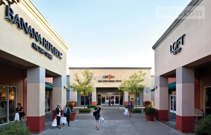 Folsom Premium Outlets photo №2