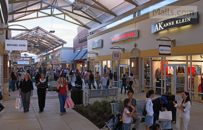 Houston Premium Outlets photo №1
