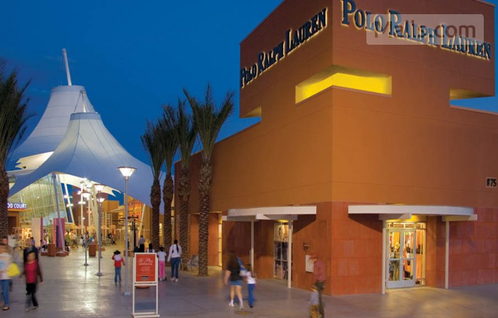 Las Vegas North Premium Outlets photo №1