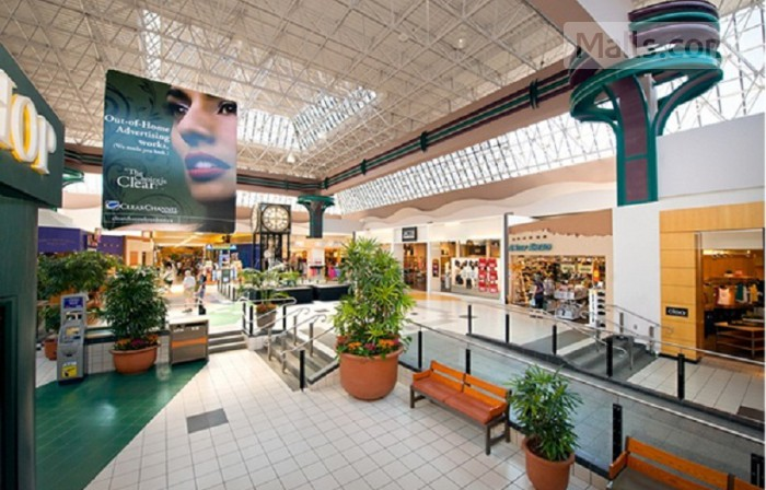 Woodgrove Centre photo №4