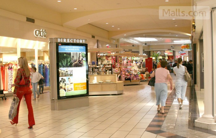 La Plaza Mall photo №2