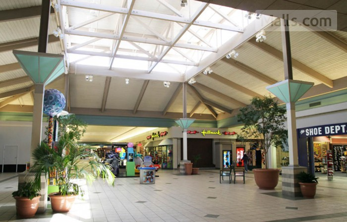 Longview Mall photo №3