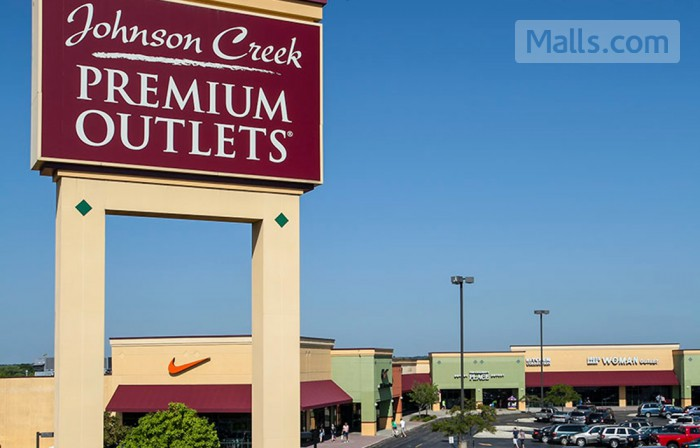 Johnson Creek Premium Outlets photo