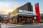McDonald's starts installing fast charging for electric cars