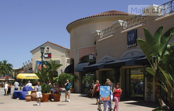 Carlsbad Premium Outlets photo №2
