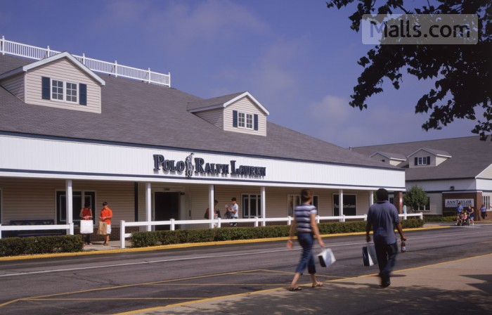 Lighthouse Place Premium Outlets photo №3