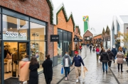 The first outlet center in Greater Amsterdam welcomes its first visitors