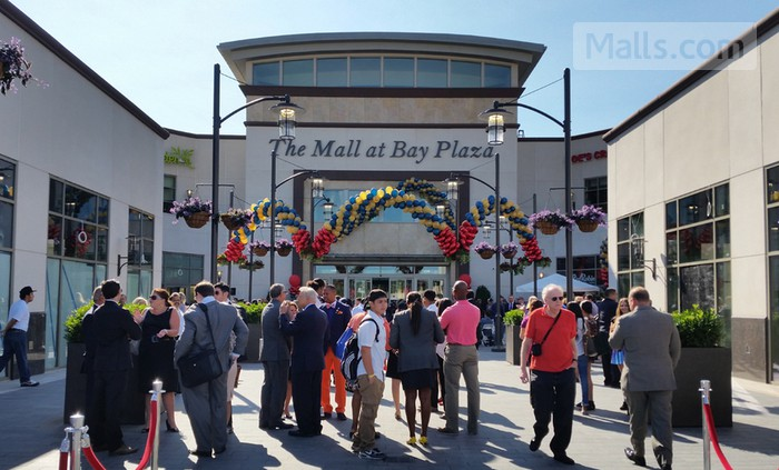 The Mall at Bay Plaza photo