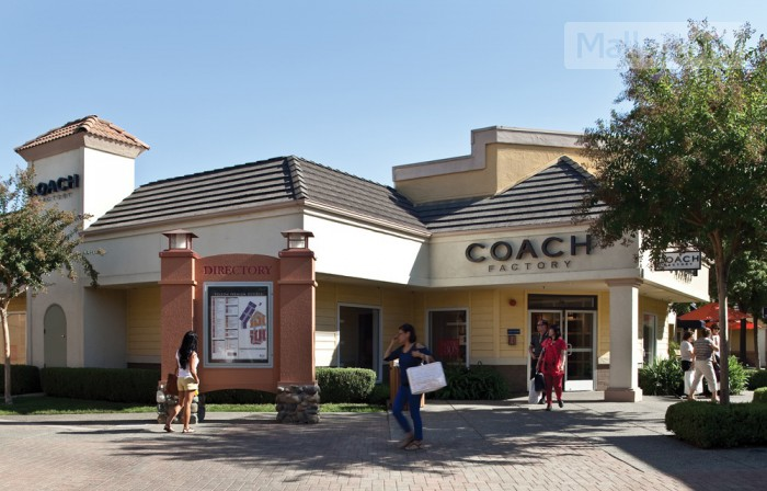 Folsom Premium Outlets photo №3