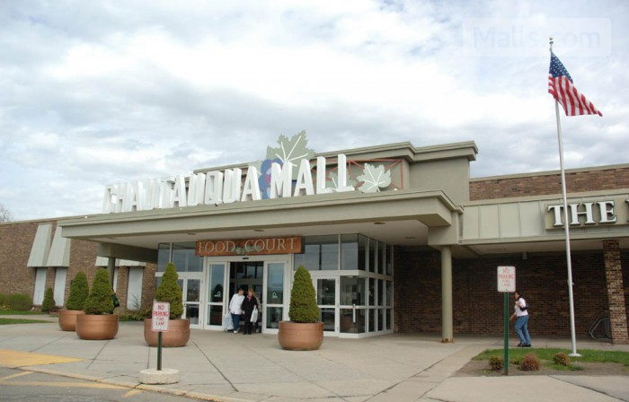 Chautauqua Mall photo