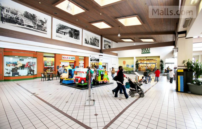 Coddingtown Mall photo №4