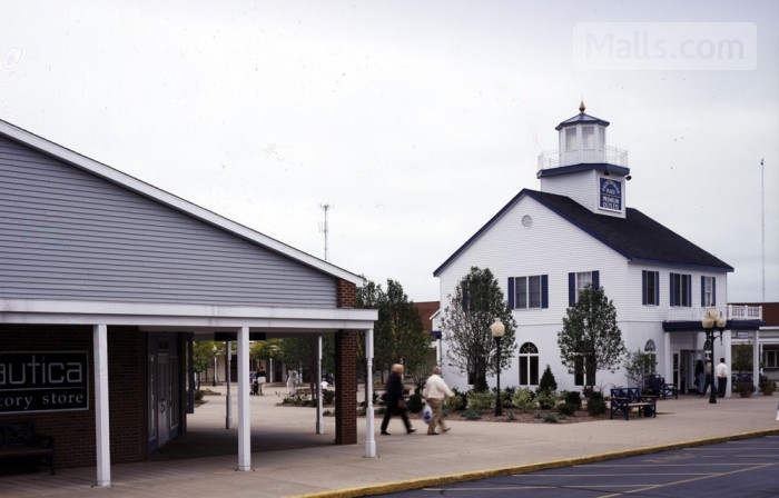 Lighthouse Place Premium Outlets photo №2